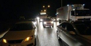 Kazalar trafiği kilitledi
