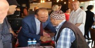 Başkan Akın huzurevi sakinlerinin duasını aldı