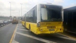 Beyoğlu Halıcıoğlu'nda metrobüs kazası