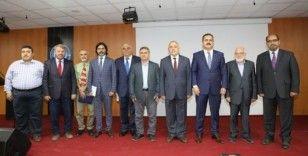 """Hakkari'de """"Prof. Dr. Fuat Sezgin Yılı"""" konferansı"""