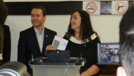 Kosova'da liderler oyunu kullandı