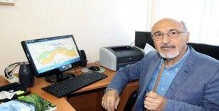 """Prof. Dr. Bektaş: """"Marmara'nın kabuk yapısı 7'den küçük deprem oluşumunu destekler"""""""