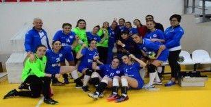 Anadolu Üniversitesi kadın hentbol takımı kazanmaya devam ediyor