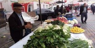 Organik ürünlerin satıldığı pazara ilgi