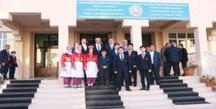 Almatı Başkonsolosu, 1 Nolu Özel Talgar Lisesi'ni ziyaret etti