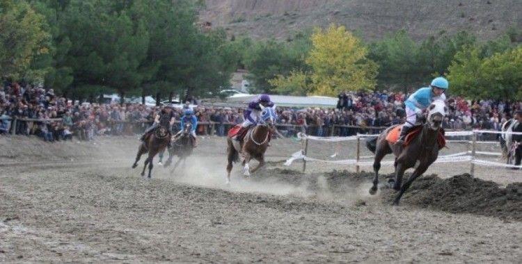 Pırlanta Pirinç Festivali'nde at yarışları nefesleri kesti