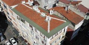 Kadıköy'de riskli olduğu gerekçesiyle boşaltılan 5 katlı bina havadan görüntülendi