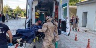 Metan gazından etkilenen köylüler hastanelere kaldırılıyor