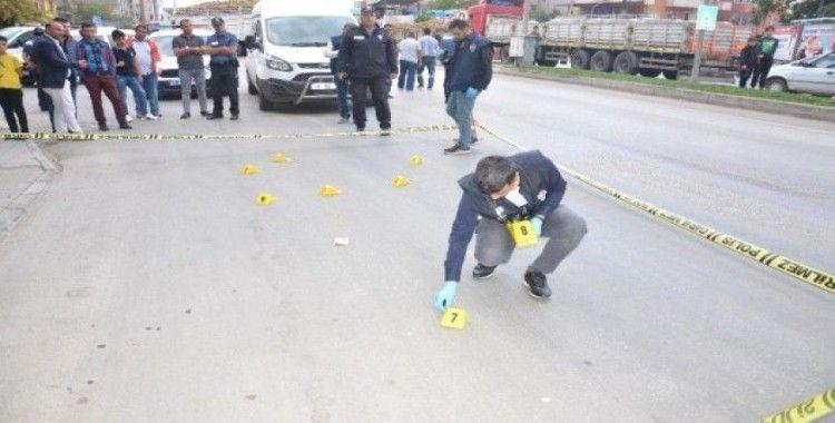 Durakta otobüs beklerken uğradığı silahlı saldırıda öldü