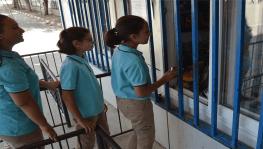 Okul kantininde askıda kek uygulaması