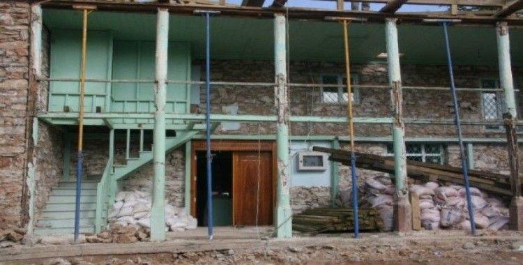 119 yıllık cami yeniden ayağa kalkıyor