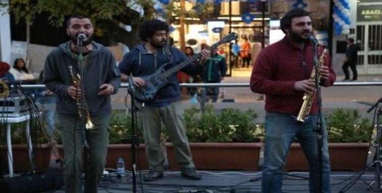Hamamyolu'nda çevre ve doğa hakları için konser