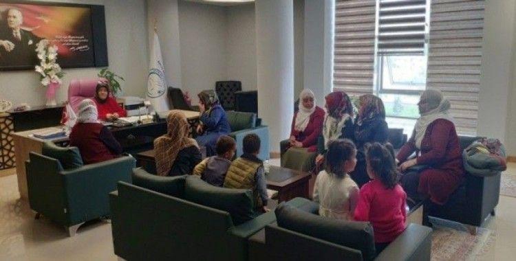 Başkan Çetin, mahallelerin sorunlarını kadınlardan dinledi