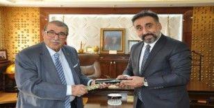 Abdulkadir Aksu'dan MAÜ Rektörü Prof. Dr. Özcoşar'a ziyaret