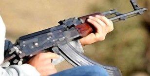 Van'da 2 terörist silahlarıyla birlikte etkisiz hale getirildi