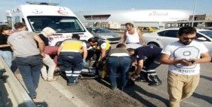 Üst geçitte korkutan kaza: 2 yaralı