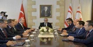 Cumhurbaşkanı Akıncı, siyasi partilerin başkanlarıyla bir araya geldi