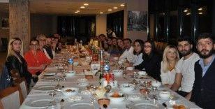 Kars'ta hastane çalışanları yemekte bir araya geldi