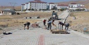 Gürpınar'da parke çalışmaları devam ediyor