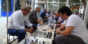 Siirt'teki kahvede yarım asırdan bu yana satranç oynanıyor
