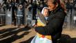 ABD'ye girmeye çalışan göçmenler Meksika tarafında tutuluyor
