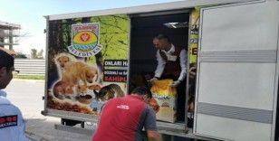 Tarsus'ta sokak hayvanları için 500 kilo mama toplandı