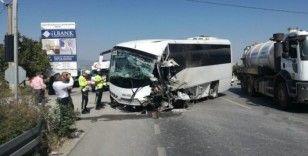 Tur otobüsü kaza yaptı, çok sayıda turist yaralandı