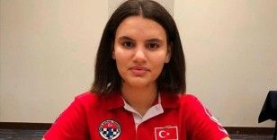 Satranç şampiyonunun hayali astronot olmak
