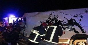 Manisa'da zincirleme kaza: 1'i ağır 4 yaralı