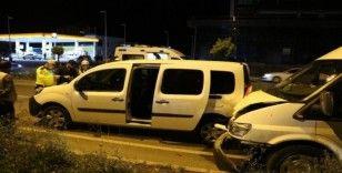 Sivas'ta trafik kazası: 2'si polis 3 yaralı