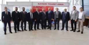 Başkan Gülsoy ve Büyüksimitçi'den Mobilya Fuarı'na ziyaret