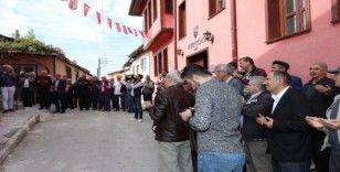 Yenileme çalışmaları tamamlanan tarihi Sivrioğlu Camii ibadete açıldı