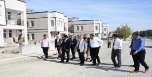 Vali Aykut Pekmez, Samsat afet konutlarını inceledi