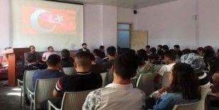 Otlukbeli'de öğrenciler Barış Pınarı Harekatı'ndaki askerler için dua okudu