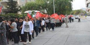 Tekden Koleji Öğrencilerinden Mehmetçiğe Komando Marşlı Destek