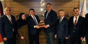 Ağrı heyeti Kültür ve Turizm Bakanı Mehmet Nuri Ersoy'u ziyaret etti