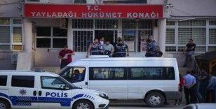 Gümrükte rüşvet operasyonunda 3 kişi tutuklandı