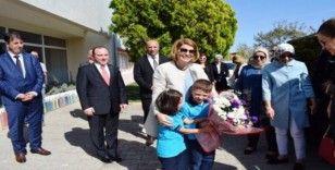 Milli Eğitim Bakanı Ziya Selçuk'un eşi Rana Selçuk Ayvalık'ta incelemelerde bulundu