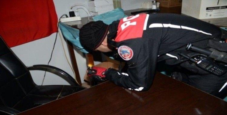 Balıkesir'de polis kumar makinesi ele geçirdi