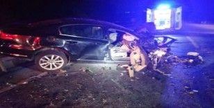 Alkollü sürücünün kullandığı kamyonet ters yöne girdi: 1 ölü, 3 yaralı
