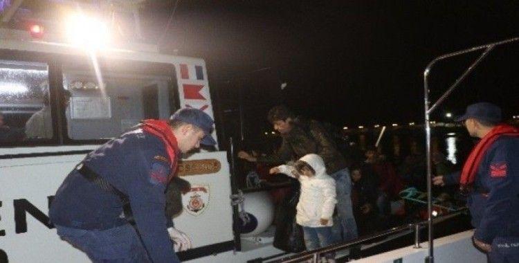 Çanakkale açıklarında 32 düzensiz göçmen kurtarıldı