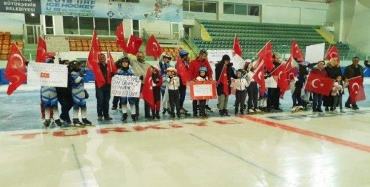 Sürat pateni sporcularından Mehmetçiğe destek