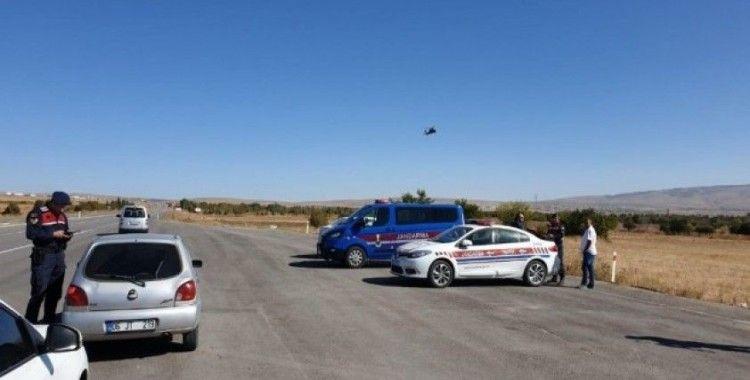 Şuhut jandarması helikopter destekli 'Huzur Güven Operasyonu' düzenlendi