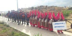 Başçayır Ortaokulu, Antalya Yörük Festivali'ni renklendirdi