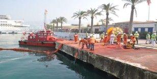 Kuşadası'nda deniz kirliliğine acil müdahale tatbikatı