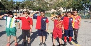 Öğrenciler turnuva gelirini Mehmetçik Vakfına bağışladı