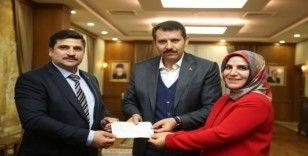 Kadın girişimciden Mehmetçiğe 50 Bin Lira bağış