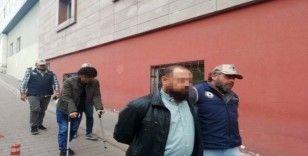 Kayseri'de DEAŞ operasyonunda gözaltına alınan 3 kişi adliyede