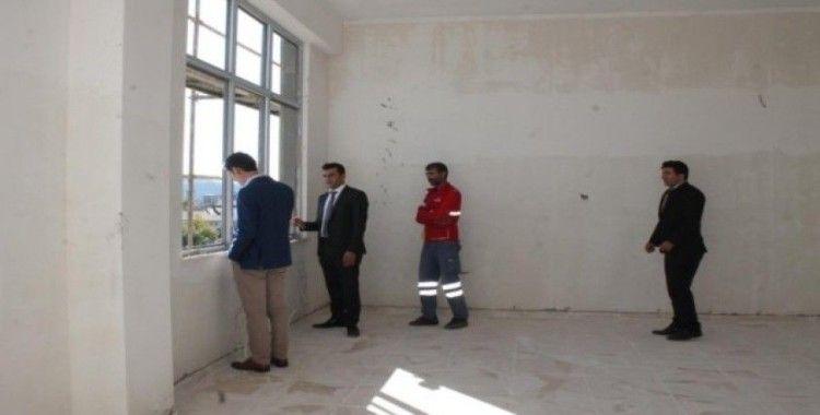 Kaymakam Gözlet'ten okul inşaatında inceleme