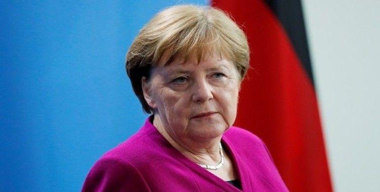 Merkel: Türkiye'ye silah satışı durdurulacak